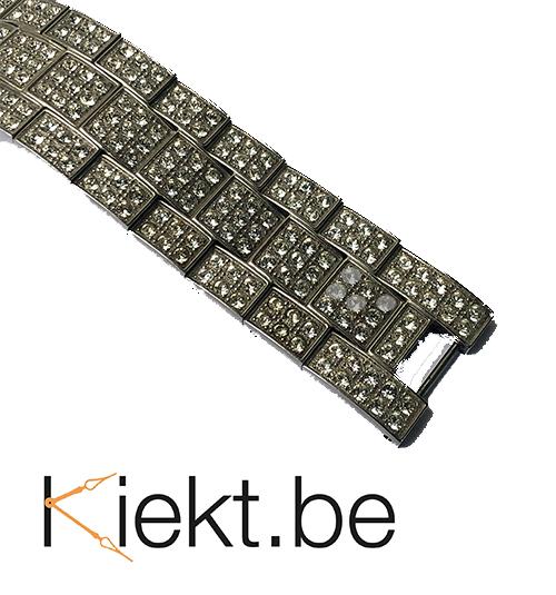 Steentjes horloge kunnen dof worden of verkleuren. Kiekt lost het voor u op